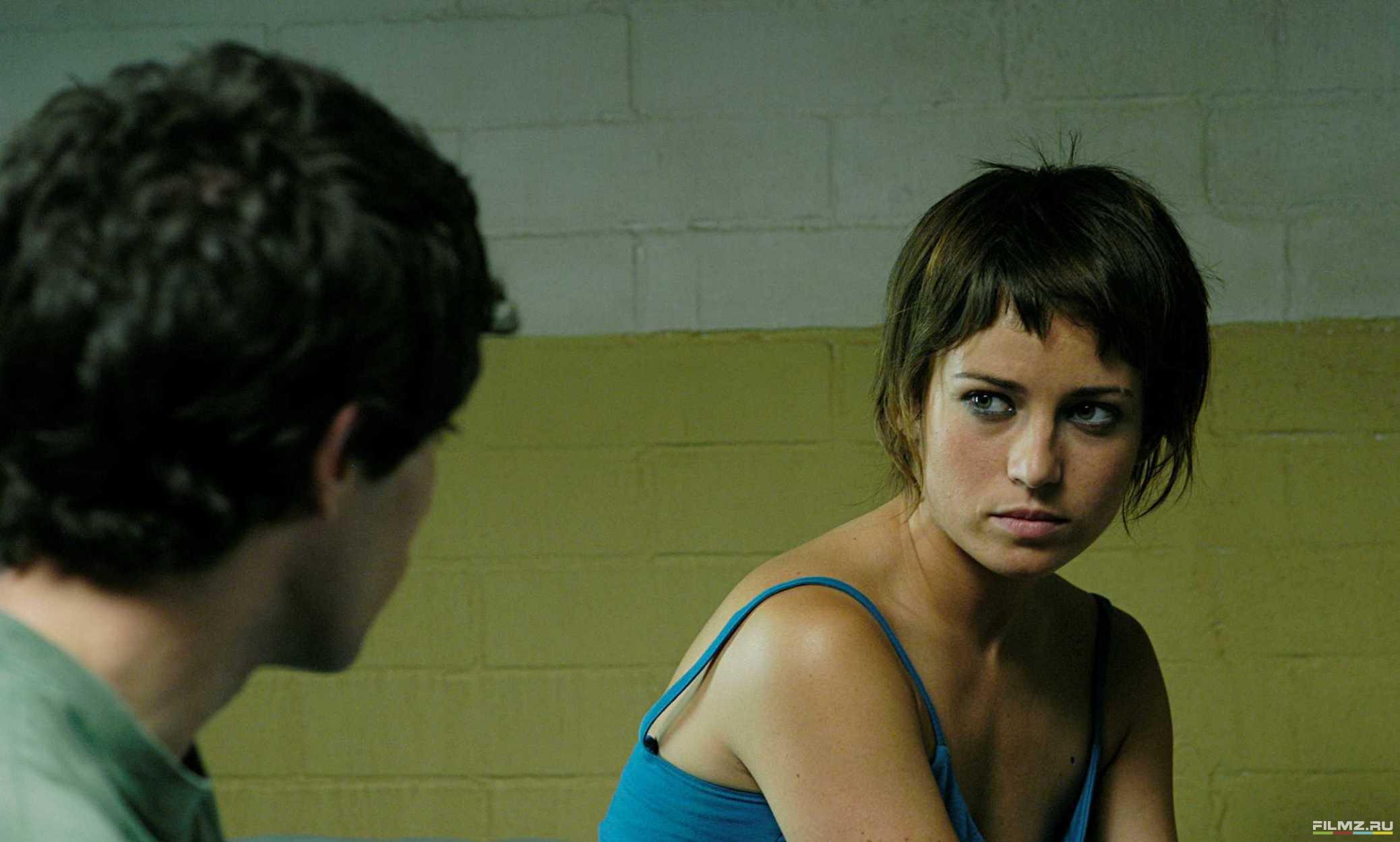 кадры из фильма Темно-синий, почти черный Марта Этура, Ким Гутьеррес,