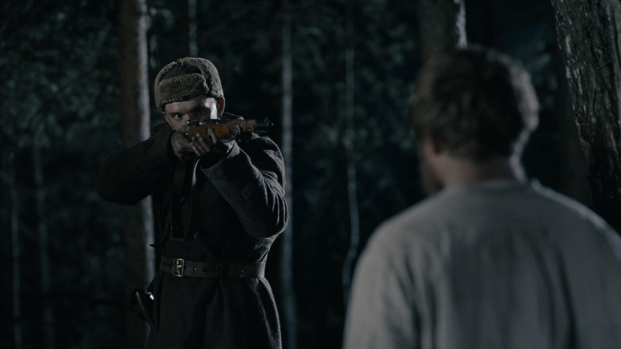 кадры из фильма В тумане Владислав Абашин, Владимир Свирский,