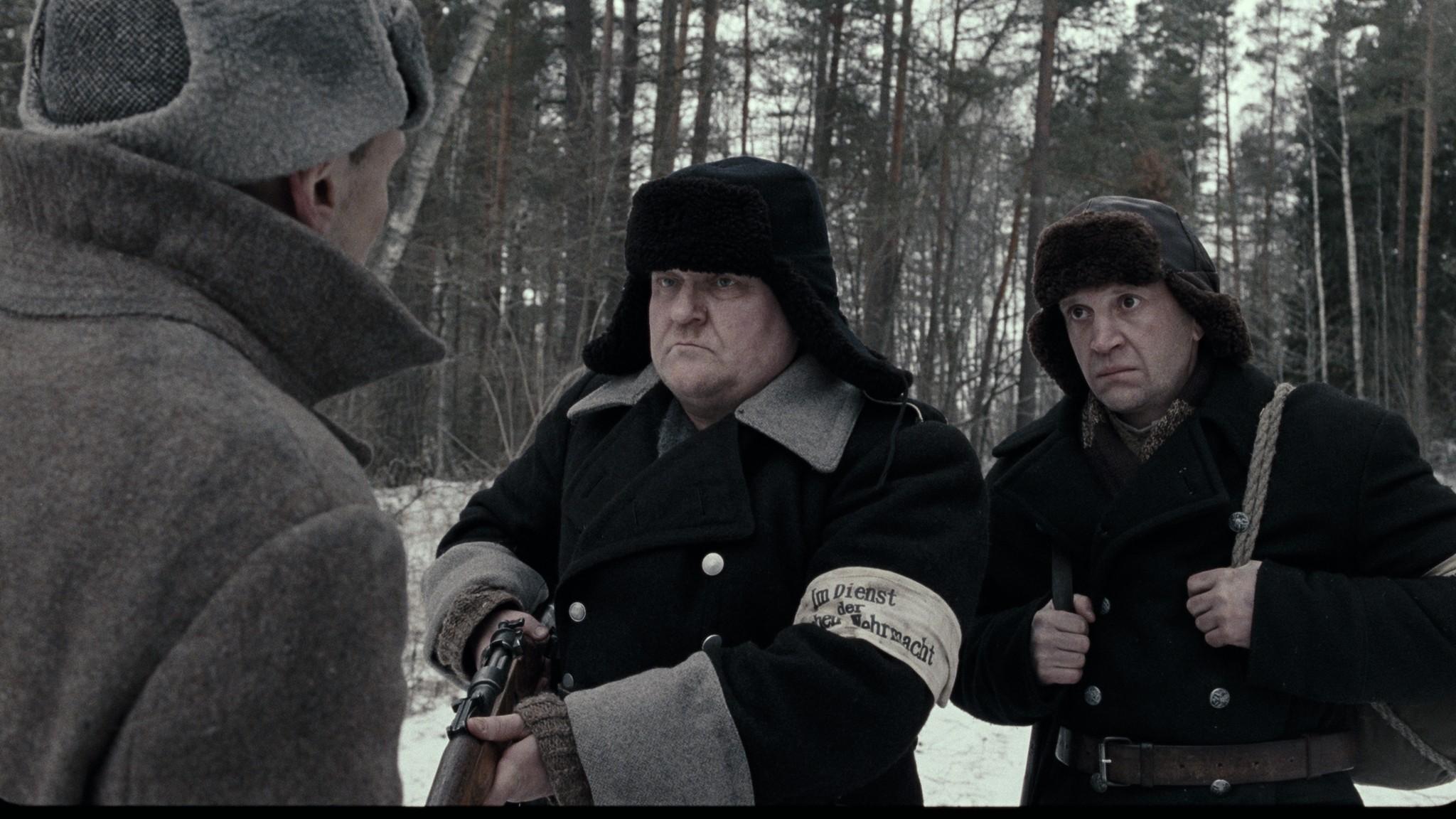 кадры из фильма В тумане Сергей Колесов, Тимофей Трибунцев,