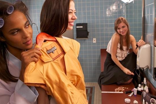 кадры из фильма Девушки в опасности Мегалин Эчикунвоке, Энали Типтон, Кэрри Маклемор,