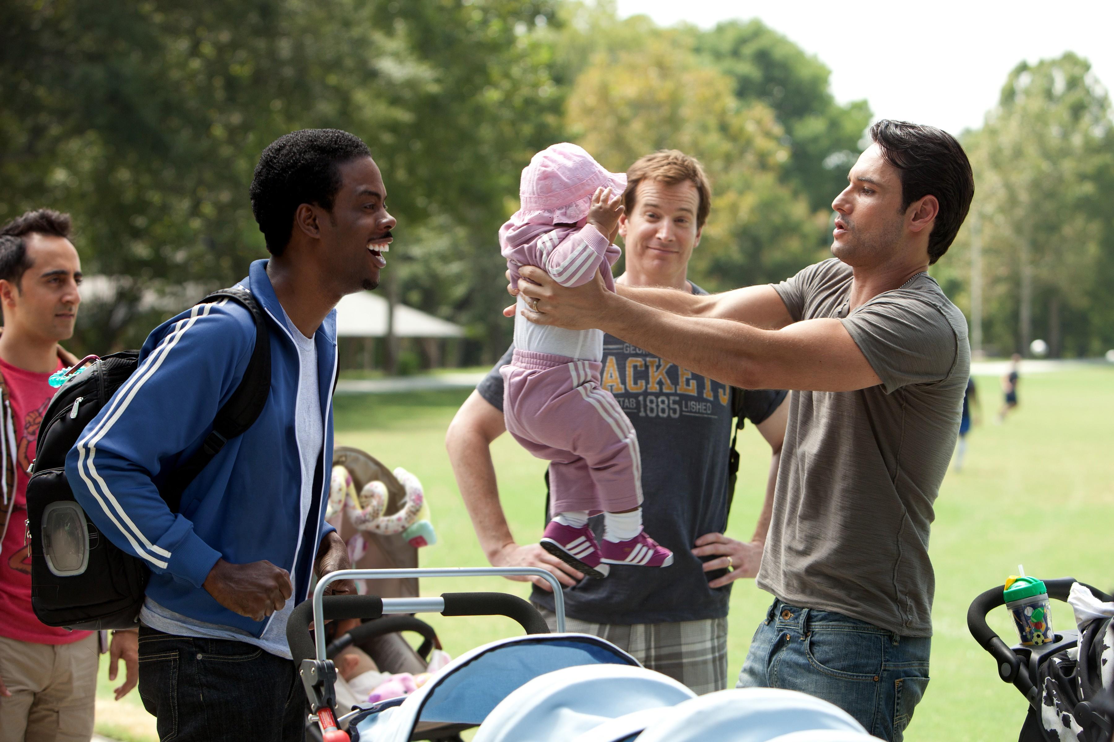 кадры из фильма Чего ждать, когда ждешь ребенка Крис Рок, Родриго Санторо,