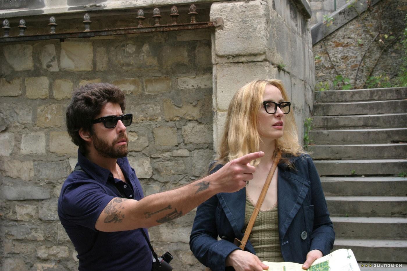 кадры из фильма Два дня в Париже Адам Голдберг, Жюли Дельпи,