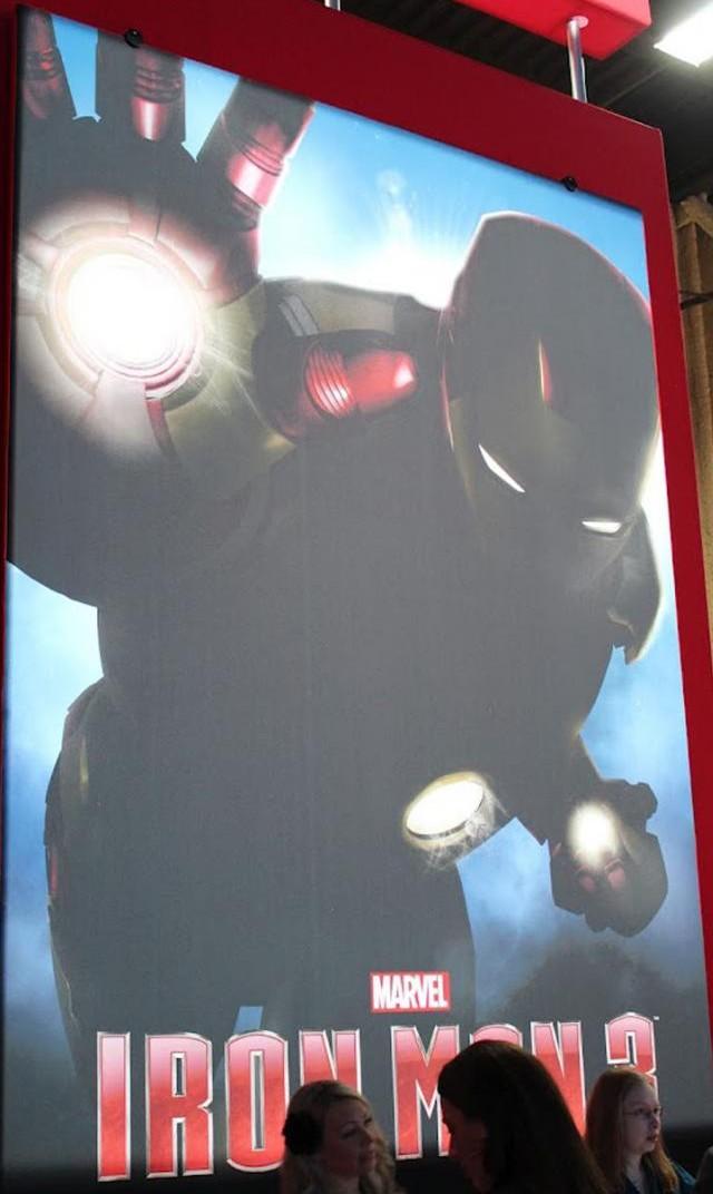 плакат фильма сейлс-арт Железный человек 3