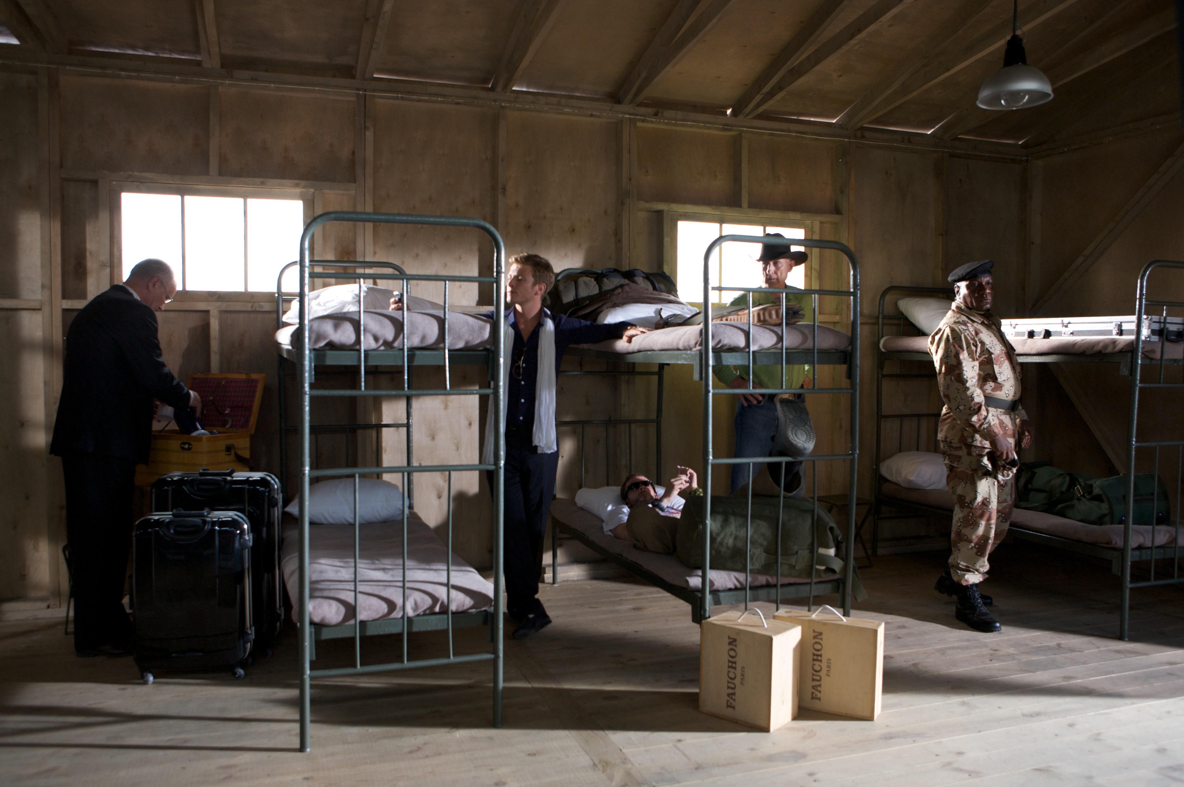 кадры из фильма Солдаты удачи Чарли Бьюли, Доминик Монахан, Джеймс Кромвелл, Винг Рэймс,