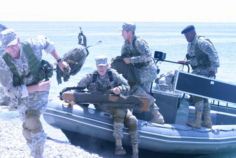 кадры из фильма Солдаты удачи Шон Бин, Джеймс Кромвелл, Чарли Бьюли, Винг Рэймс,
