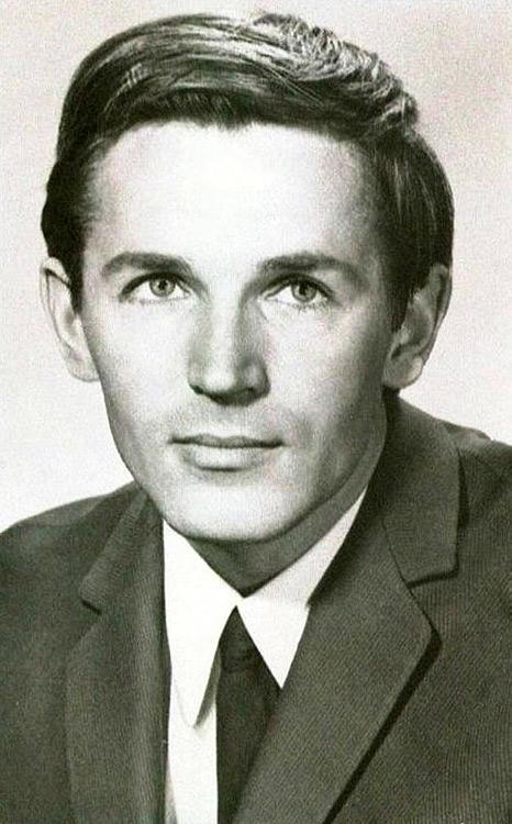 Станислав Любшин Станислав Любшин,