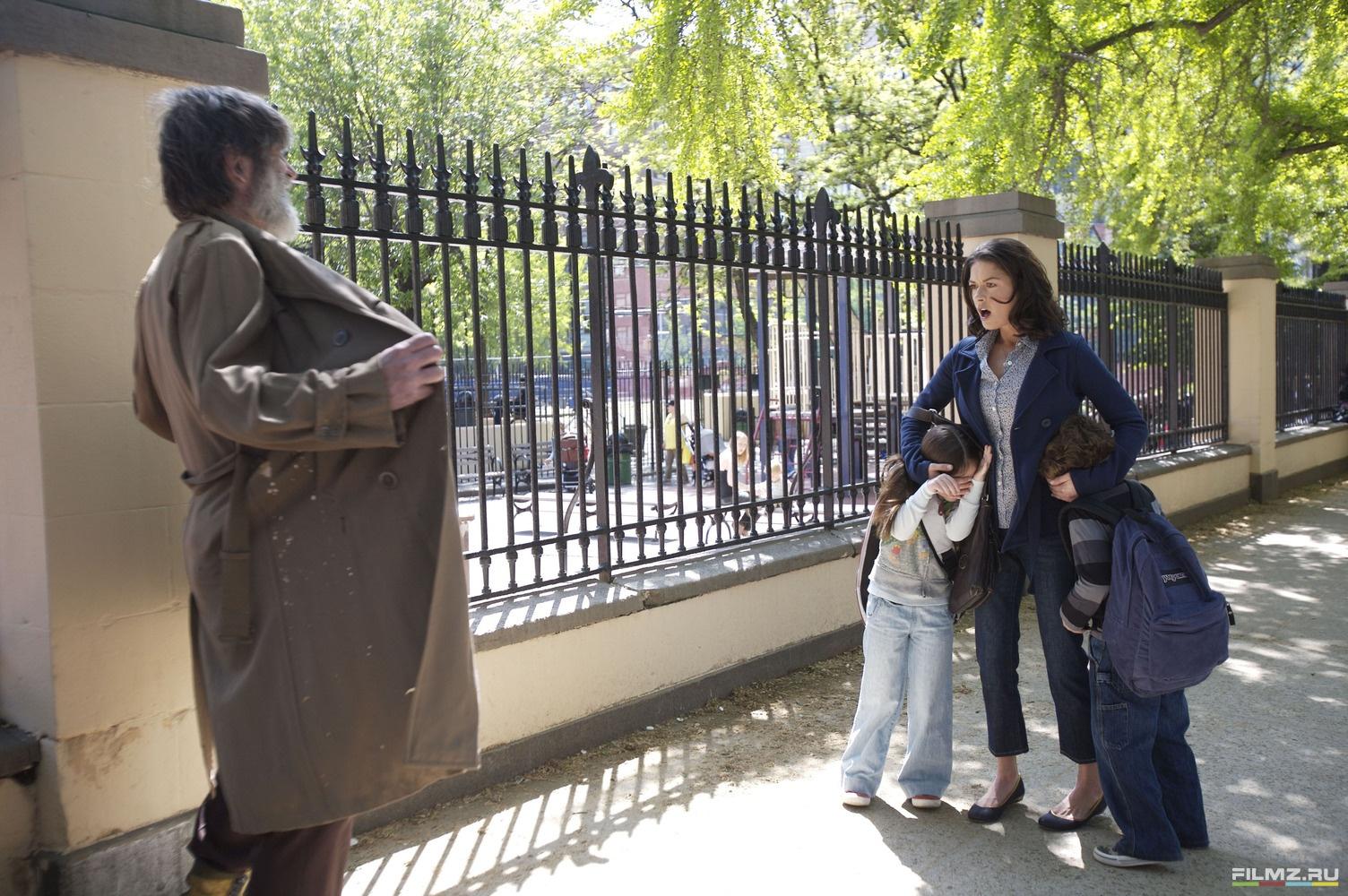 кадры из фильма Нянька по вызову Кэтрин Зита-Джонс,