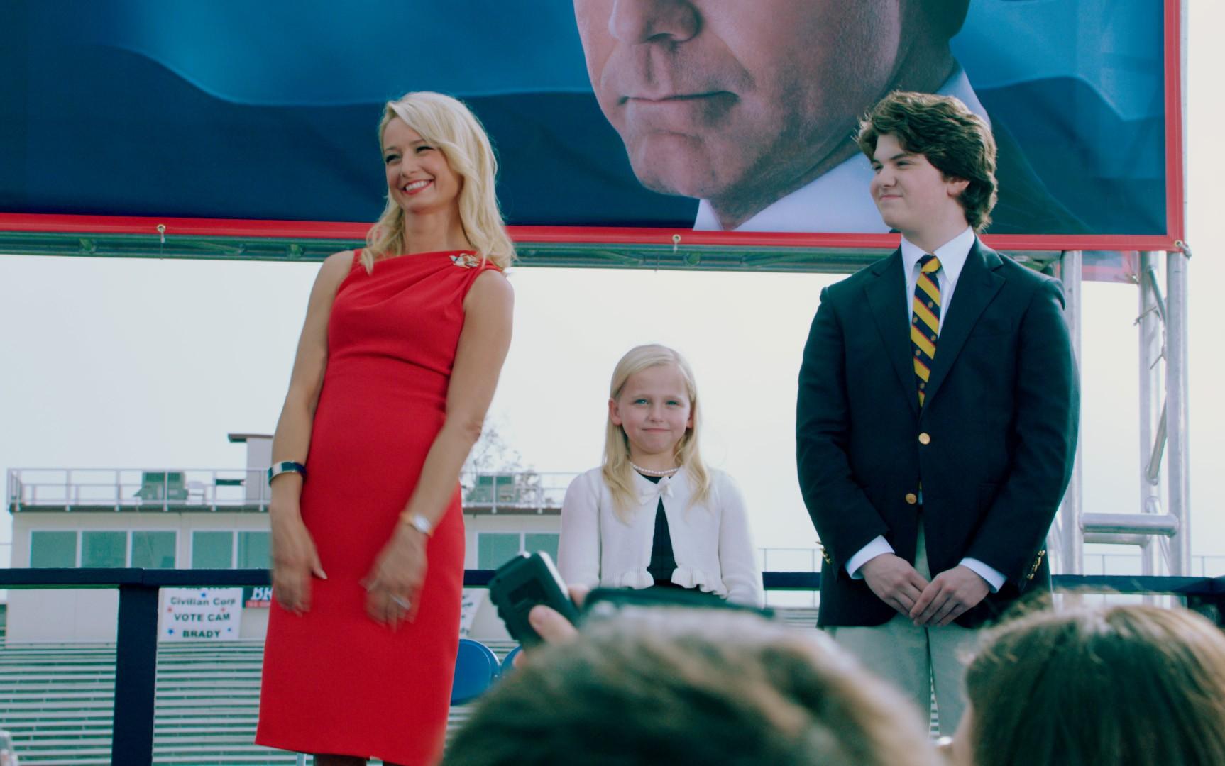 кадры из фильма Грязная кампания за честные выборы