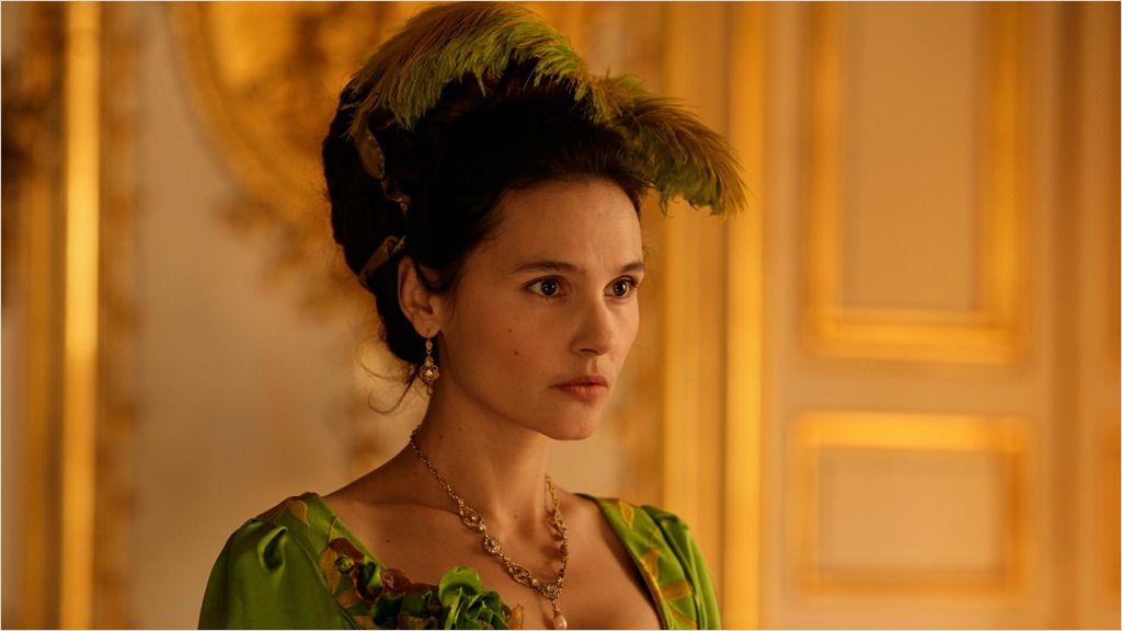 кадры из фильма Прощай, моя королева Виржини Ледойен,