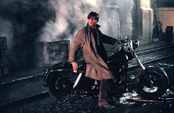 кадры из фильма Улицы в огне Майкл Паре,