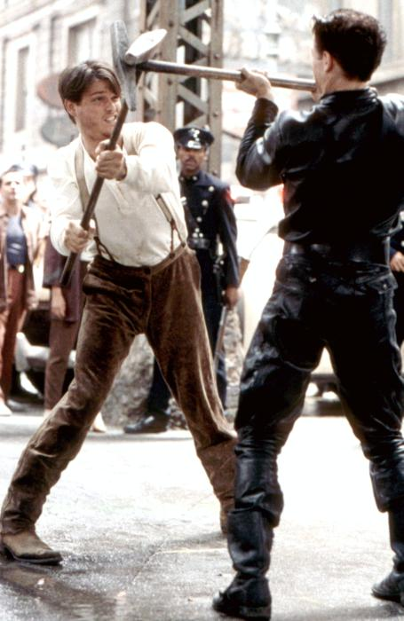кадры из фильма Улицы в огне Уиллем Дэфо, Майкл Паре,