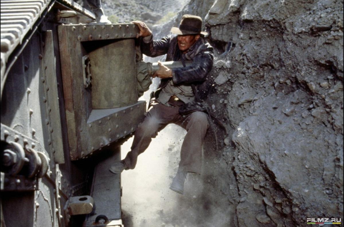 кадры из фильма Индиана Джонс и Последний крестовый поход Харрисон Форд,