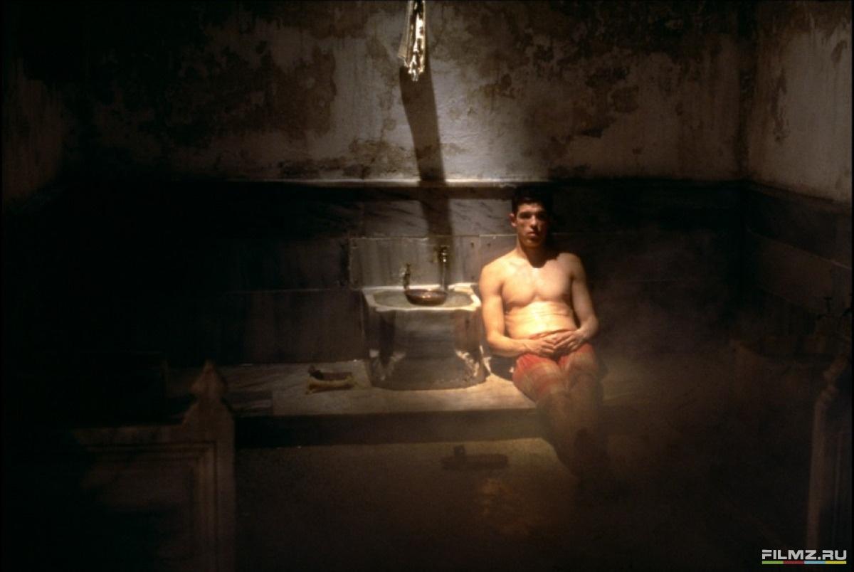 кадры из фильма Турецкая баня Алессандро Гассман,