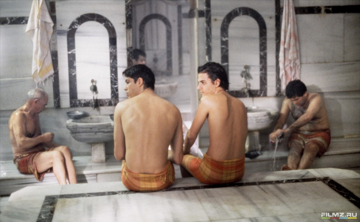 кадры из фильма Турецкая баня Алессандро Гассман, Мехмет Гунсур,