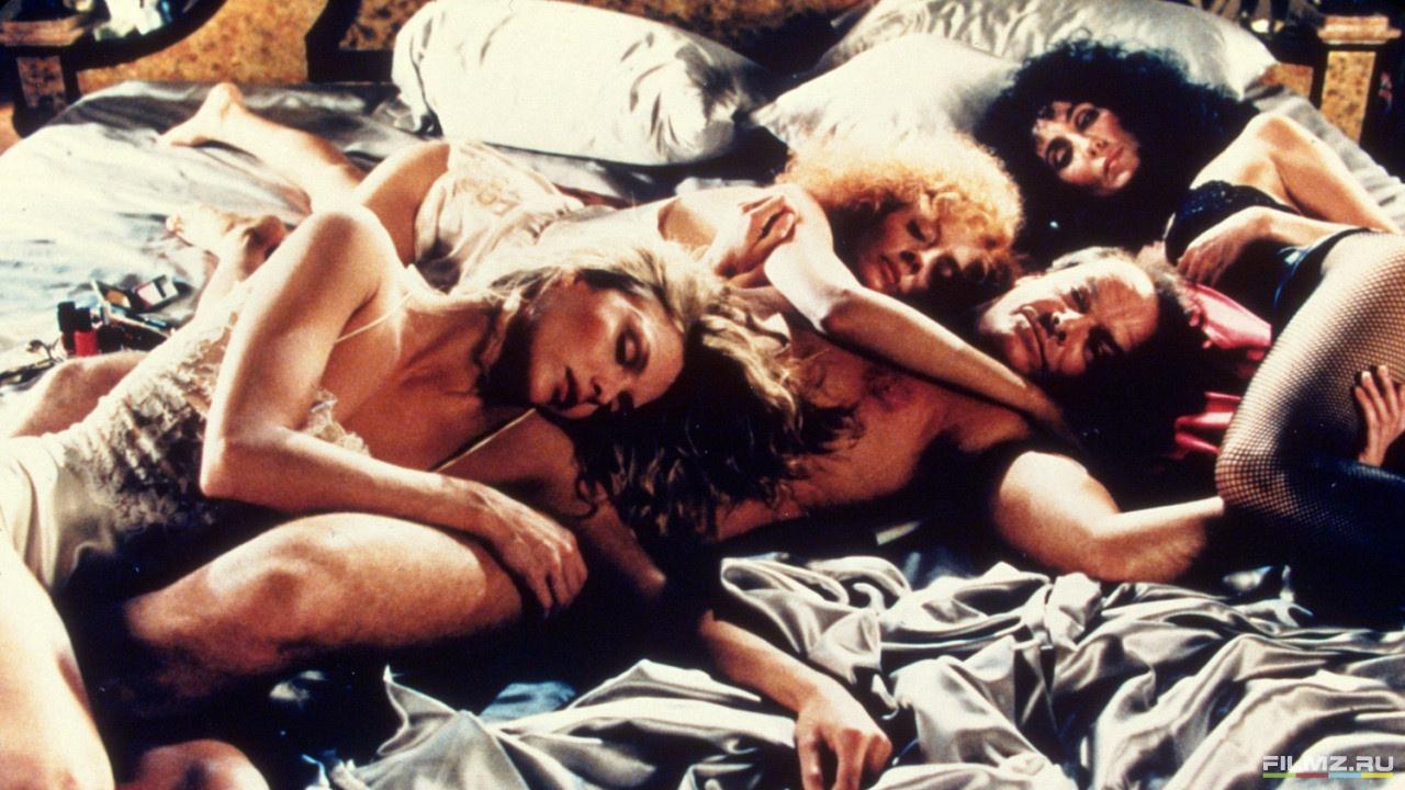 Фильм состоит из коротких эротических историй что