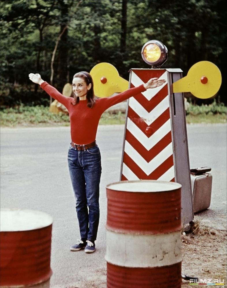 кадры из фильма Двое на дороге Одри Хепберн,