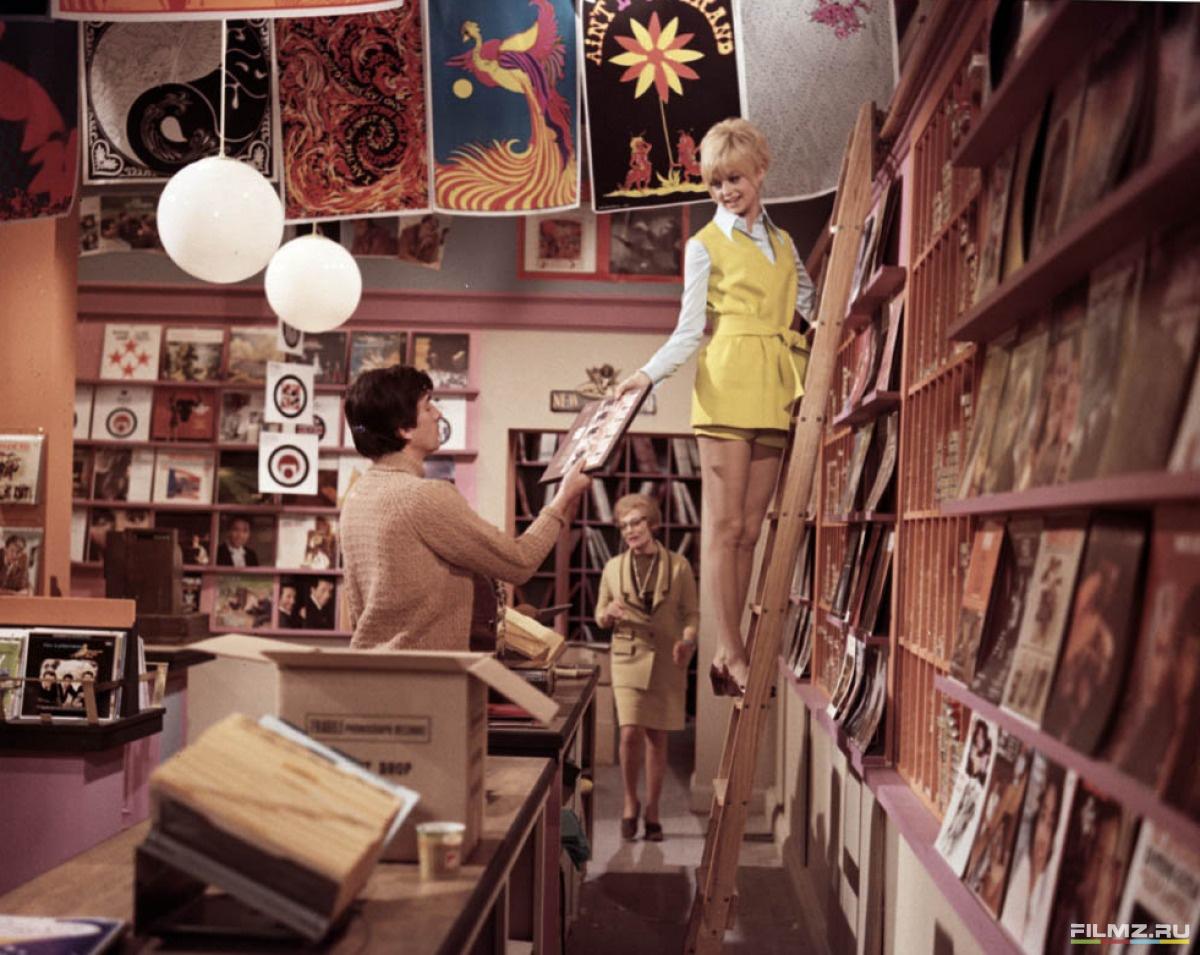 кадры из фильма Цветок кактуса Голди Хоун,