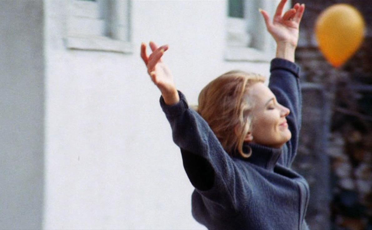 кадры из фильма Женщина под влиянием Джина Роулендс,