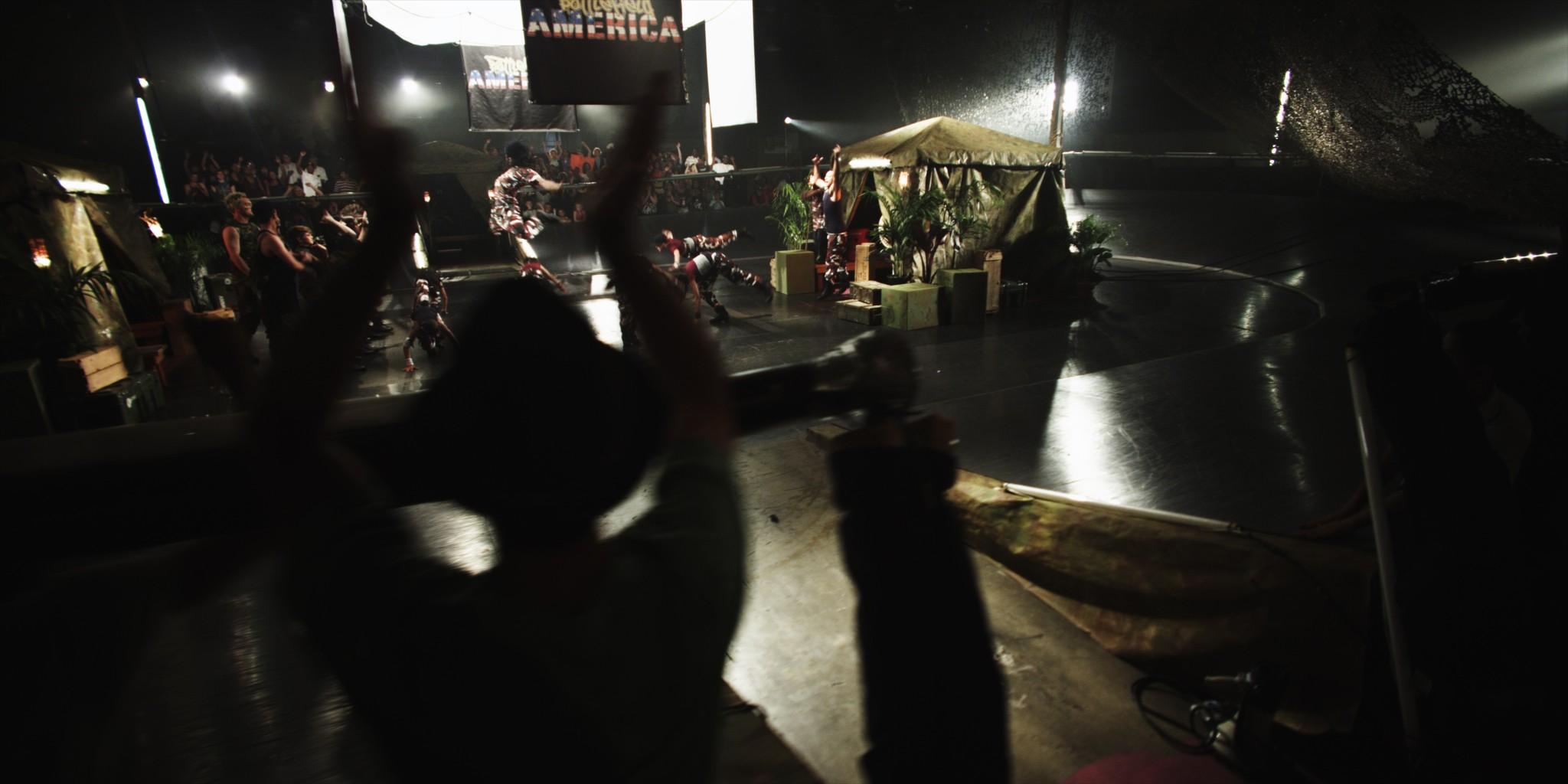 кадры из фильма Недетские танцы