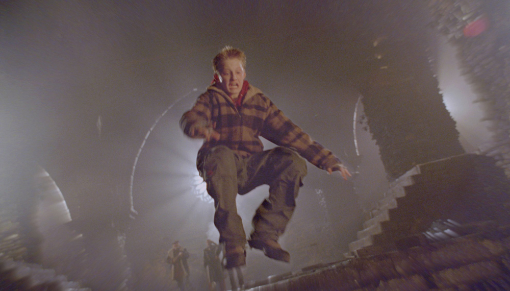 кадры из фильма Восход тьмы