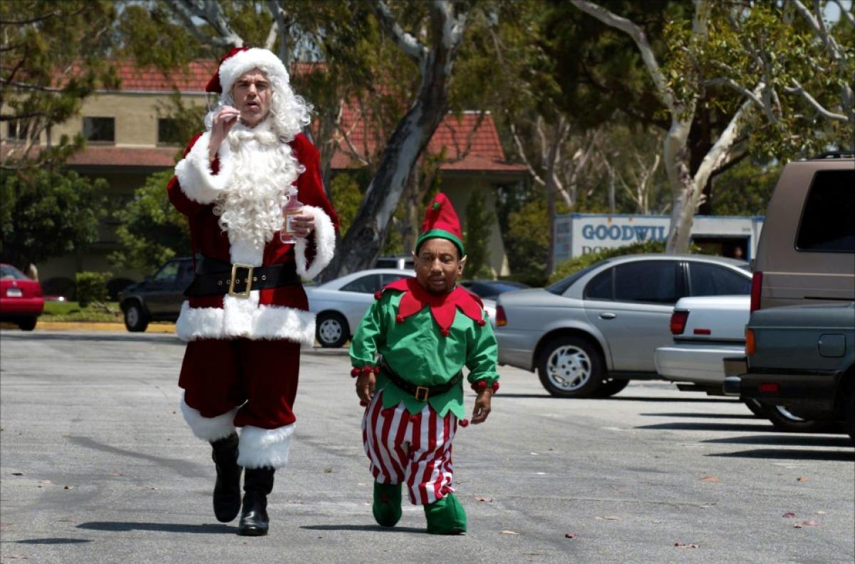 кадры из фильма Плохой Санта Тони Кокс, Билли Боб Торнтон,