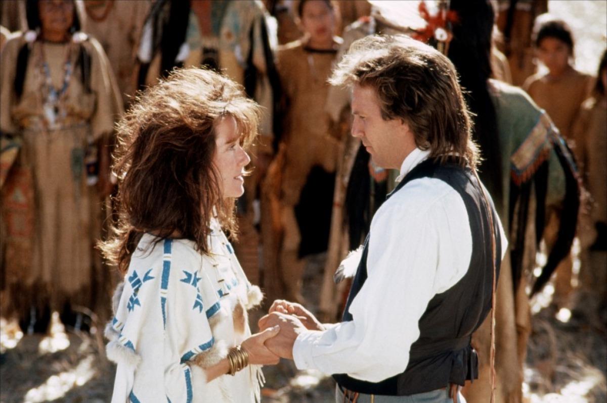 кадры из фильма Танцующий с волками Мэри МакДоннелл, Кевин Костнер,
