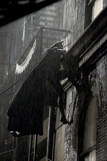 кадры из фильма Бэтмен: Начало Кристиан Бэйл,