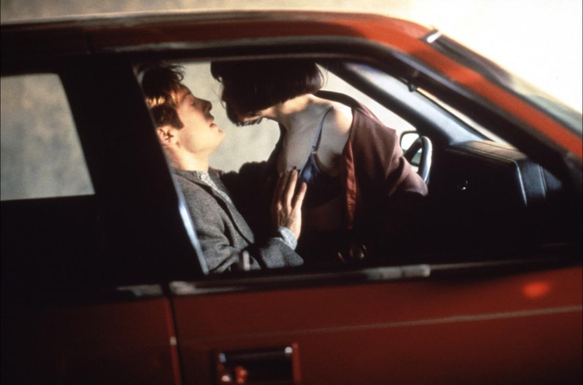 кадры из фильма Автокатастрофа Холли Хантер, Джеймс Спейдер,