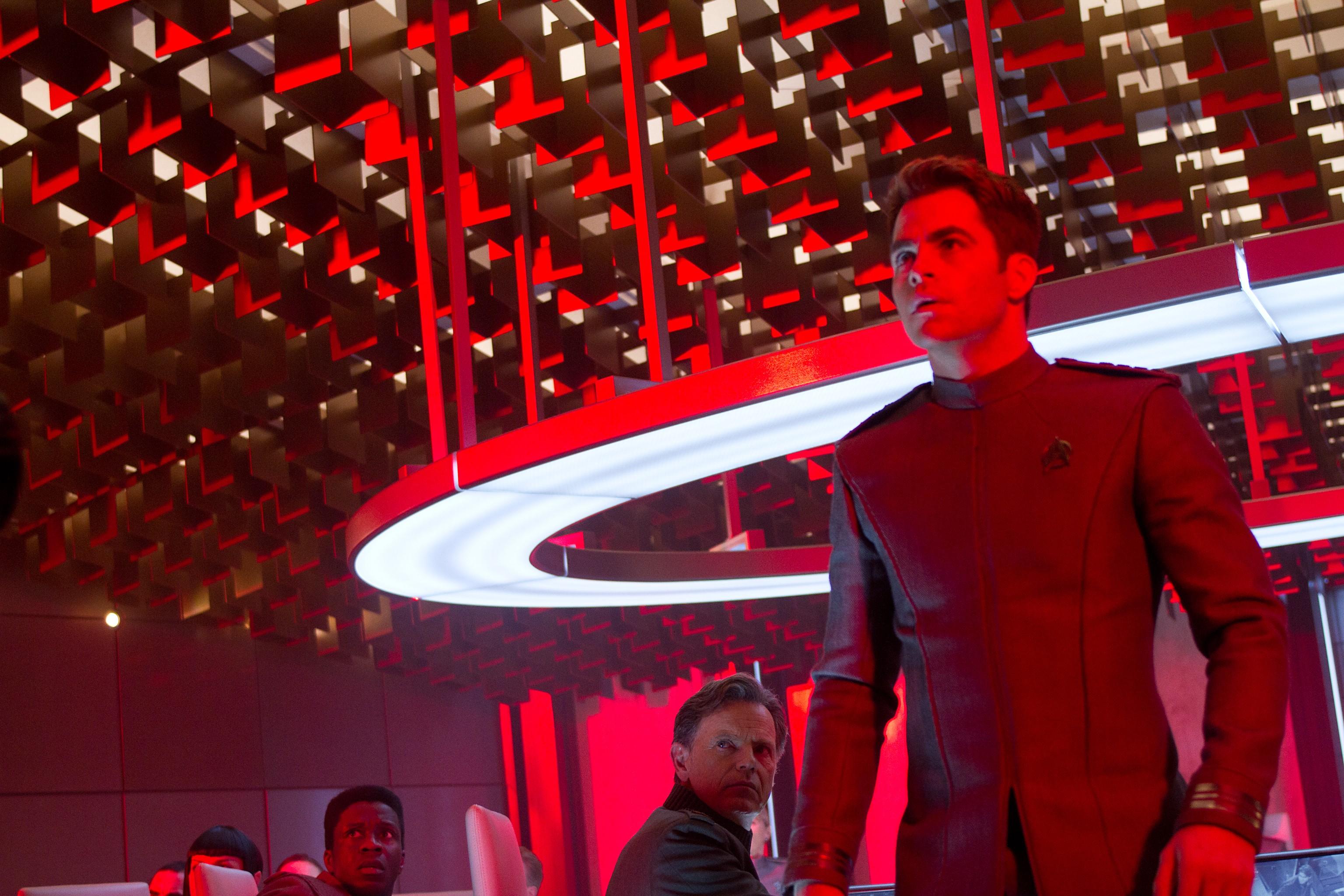 кадры из фильма Стартрек: Возмездие Брюс Гринвуд, Крис Пайн,