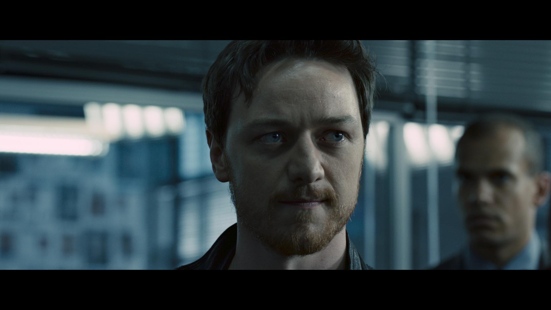 кадры из фильма Добро пожаловать в капкан Джеймс МакЭвой,