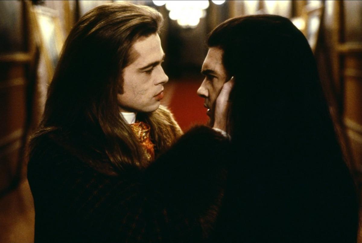 кадры из фильма Интервью с вампиром: Вампирские хроники Антонио Бандерас, Брэд Питт,