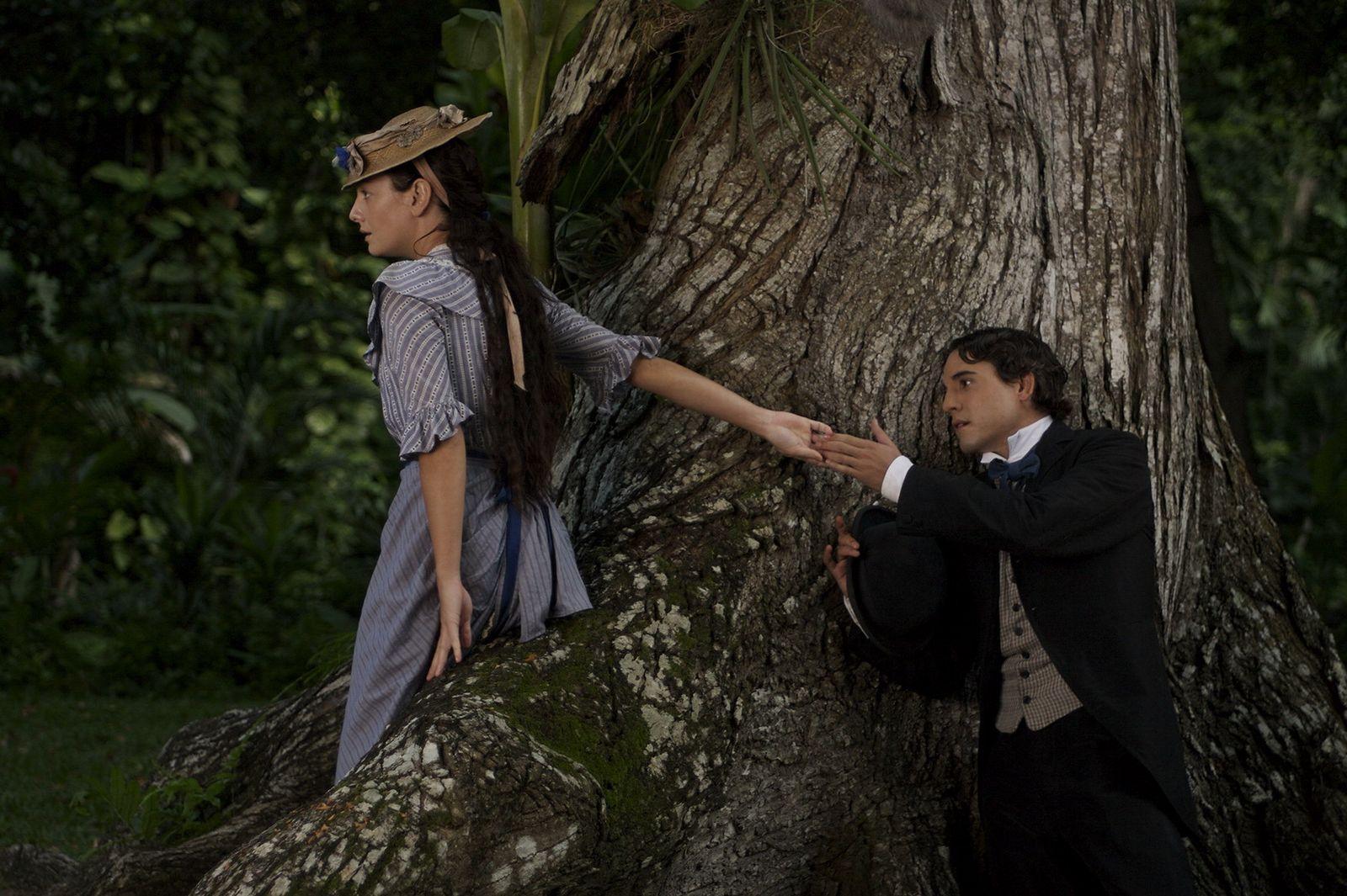 кадры из фильма Любовь во время холеры Джованна Меццоджорно, Унакс Угальде,