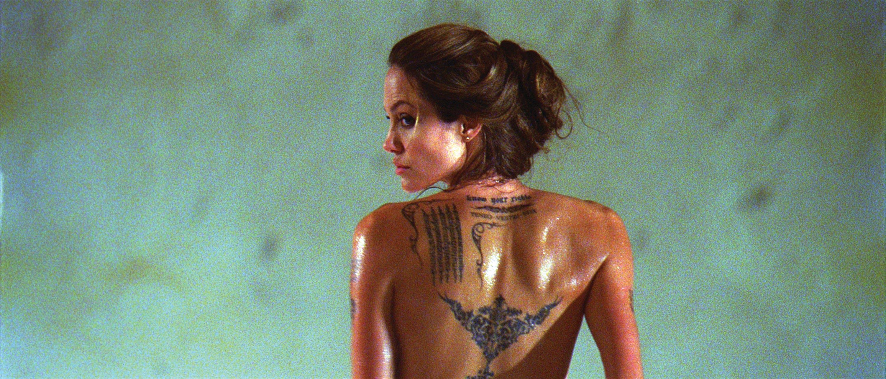 Angelina jolie nude skin hentai scene