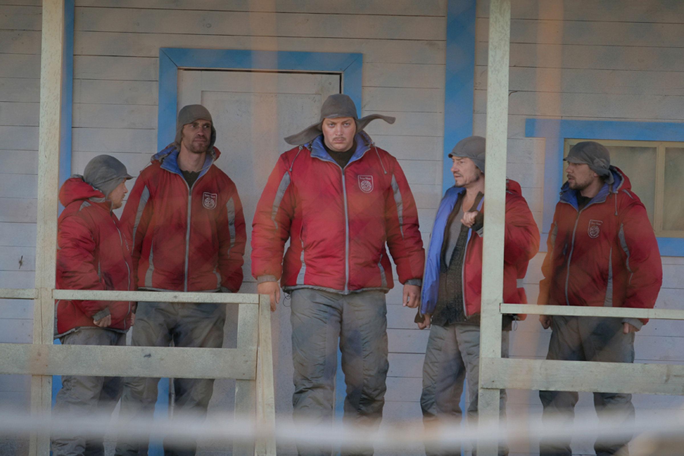 кадры из фильма Новая земля