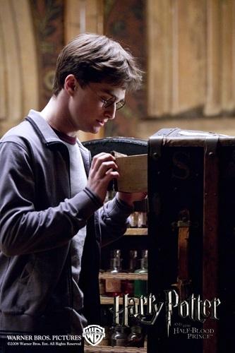 кадры из фильма Гарри Поттер и Принц-полукровка Дэниэл Рэдклифф,