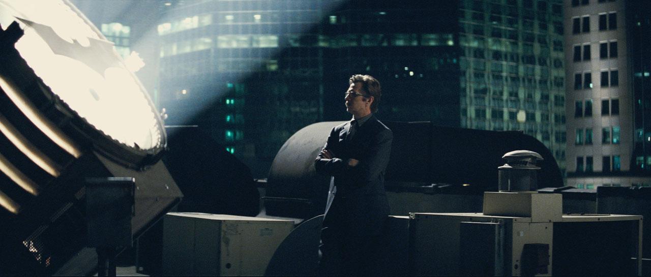 кадры из фильма Темный рыцарь Гэри Олдман,