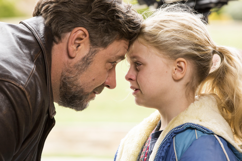 кадры из фильма Отцы и дочери Рассел Кроу,
