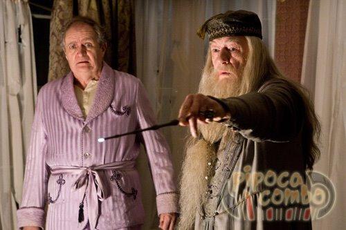 кадры из фильма Гарри Поттер и Принц-полукровка Джим Бродбент, Майкл Гэмбон,