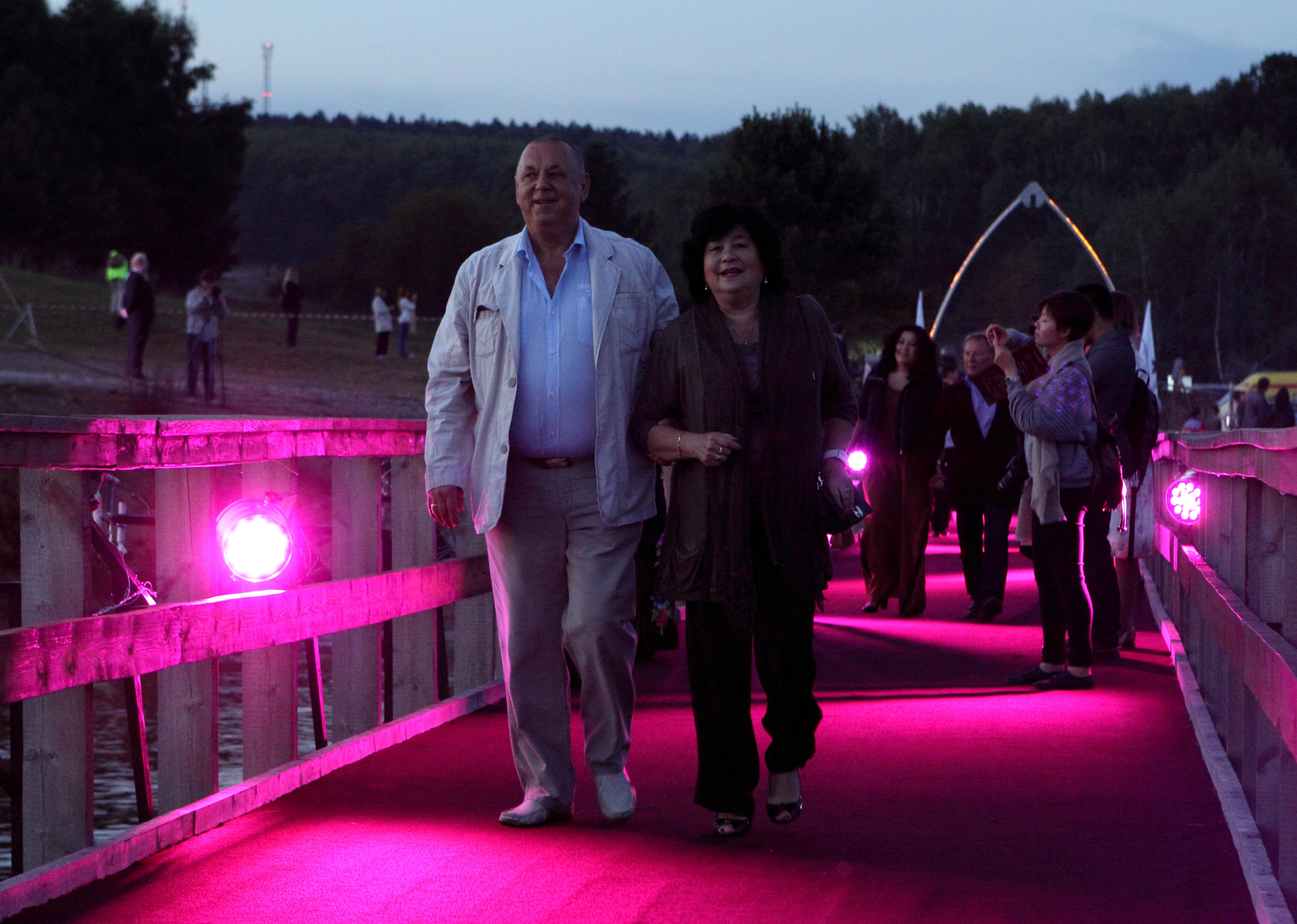 звездная дорожка IX Международный фестиваль театра и кино «В кругу семьи»