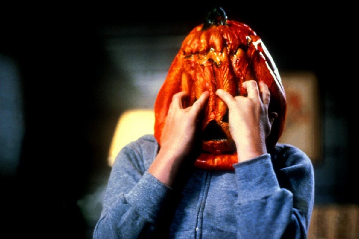 кадры из фильма Хэллоуин 3: Сезон ведьм*