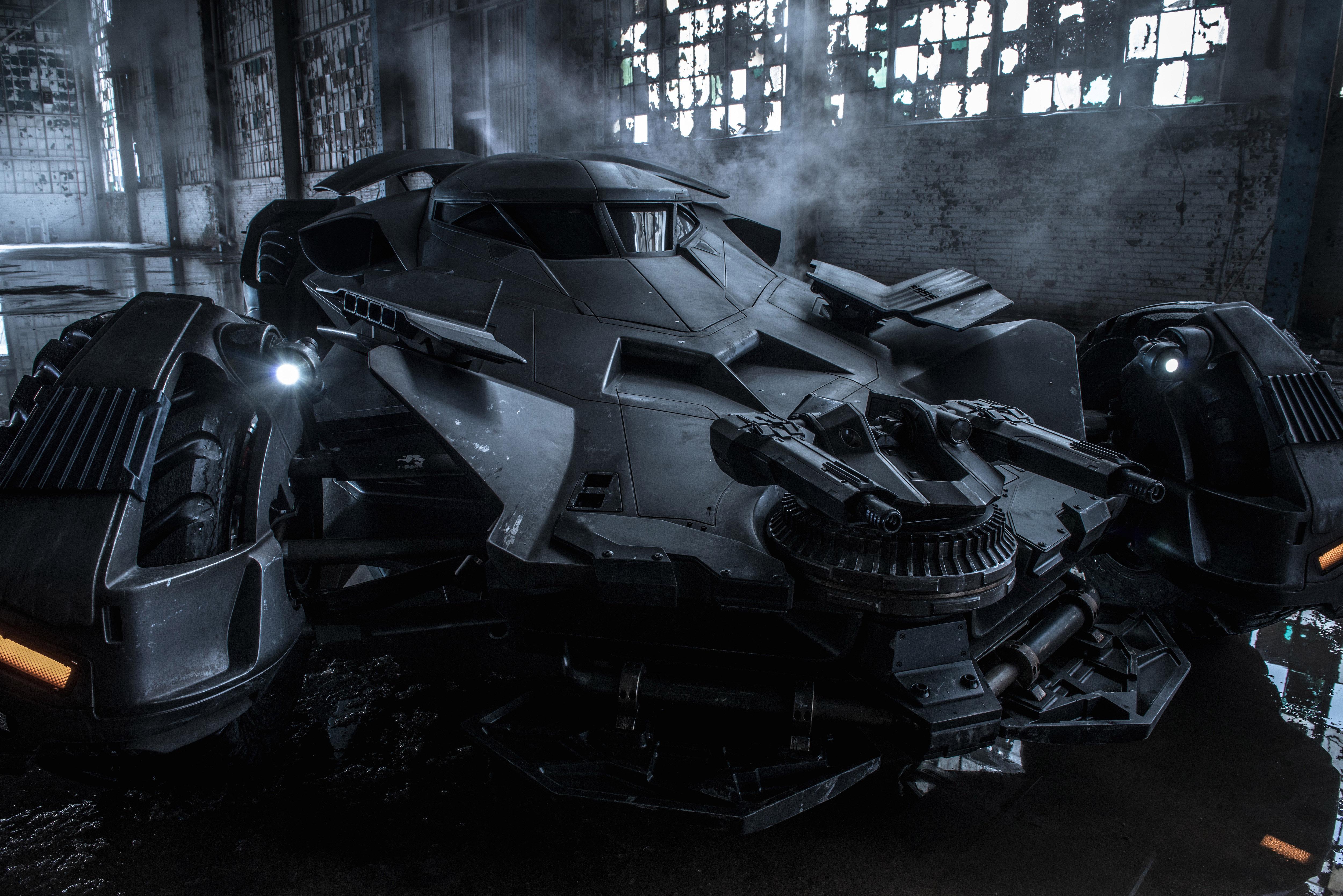 промо-слайды Бэтмен против Супермена: На заре справедливости