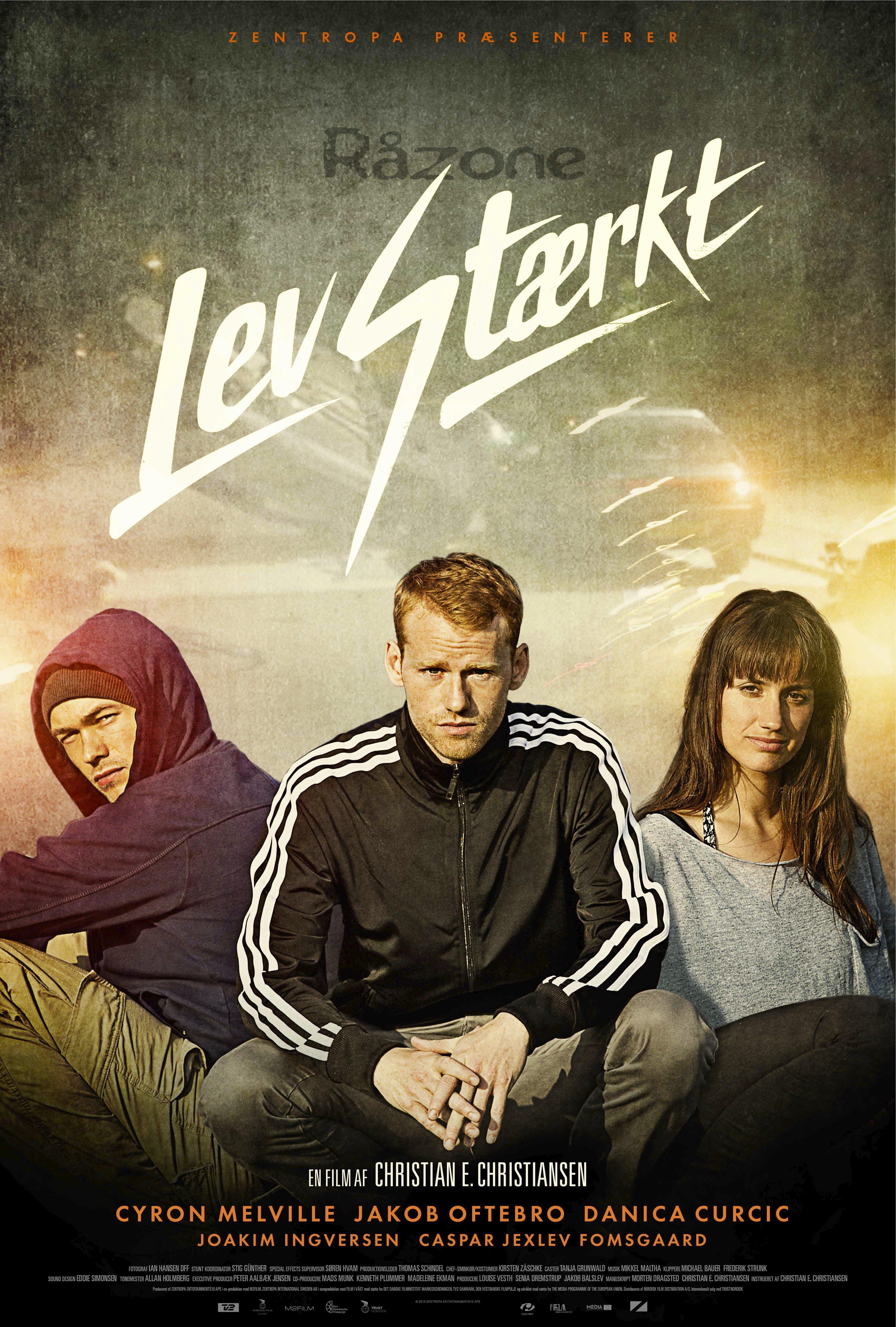 плакат фильма постер На грани