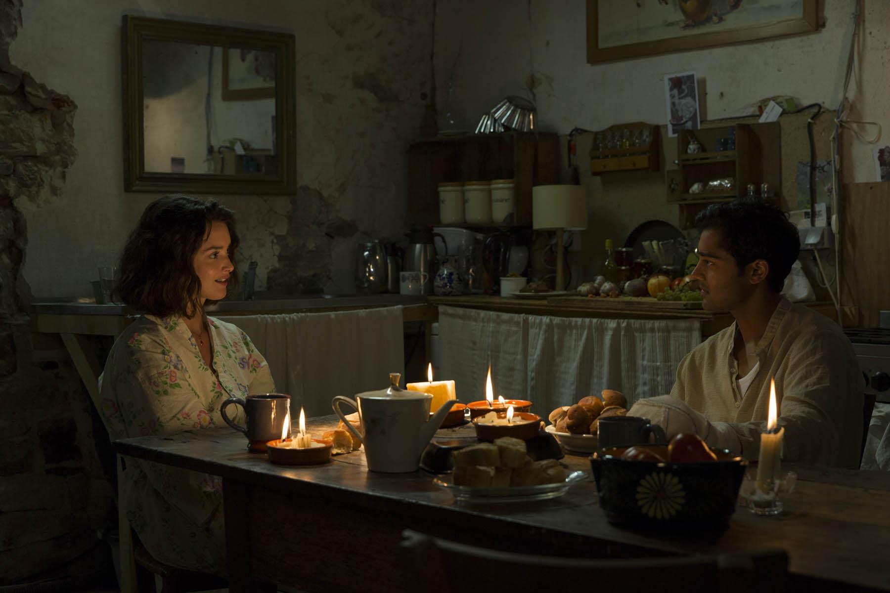 кадры из фильма Пряности и страсти Шарлотта Ле Бон, Маниш Дайал,