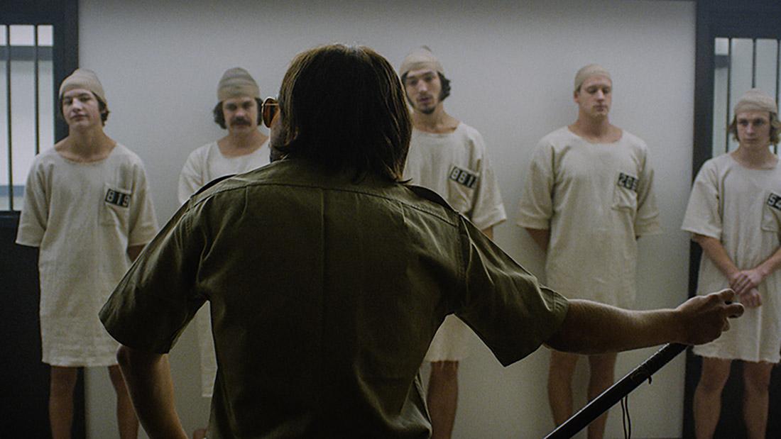 кадры из фильма Тюремный эксперимент в Стэнфорде*