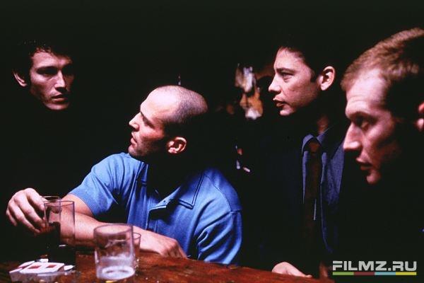 кадры из фильма Карты, деньги, два ствола Джейсон Стэтем, Ник Моран, Декстер Флетчер, Джейсон Флеминг,