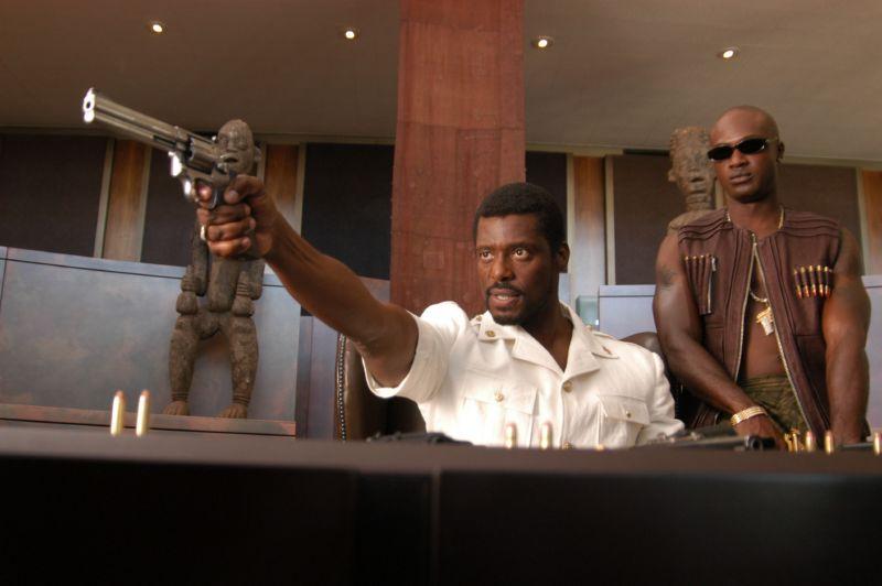кадры из фильма Оружейный барон
