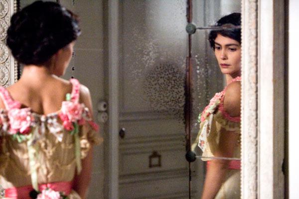 кадры из фильма Коко до Шанель Одри Тоту,