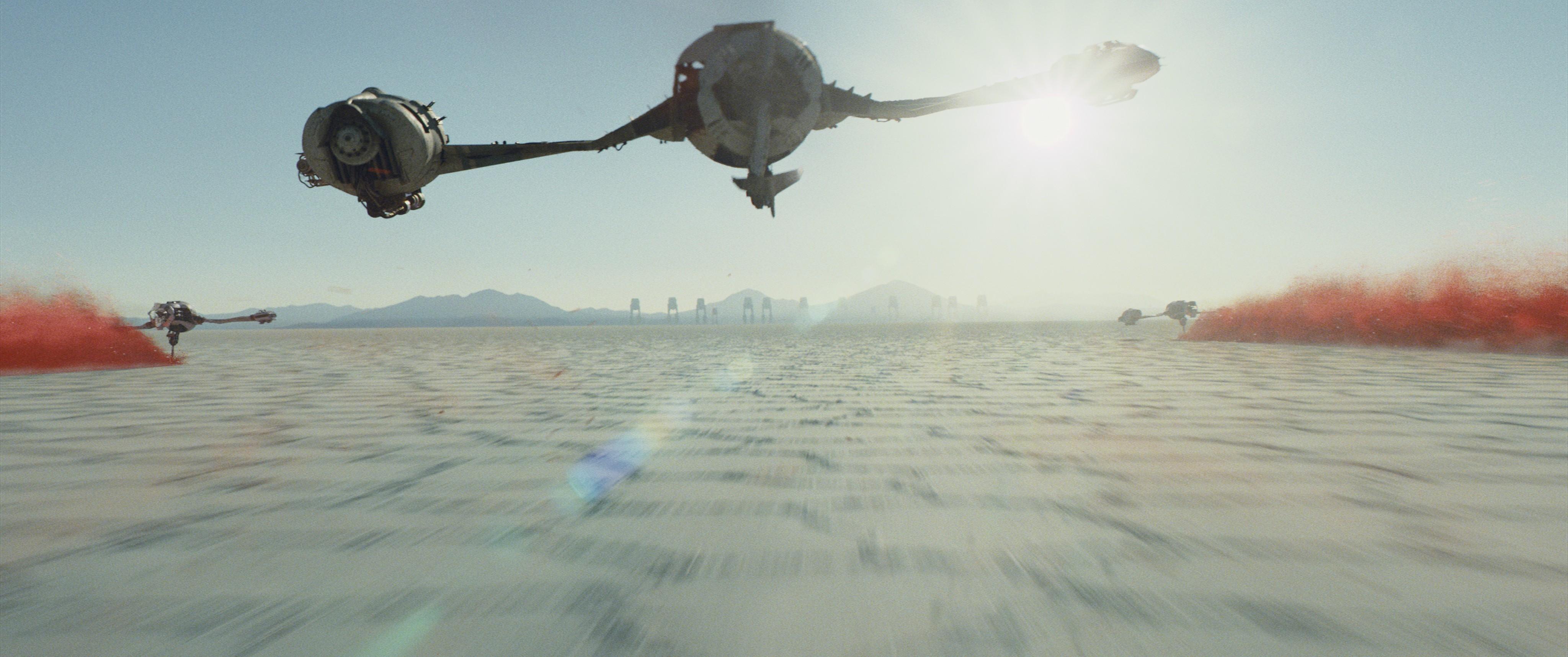 кадры из фильма Звёздные Войны: Последние джедаи