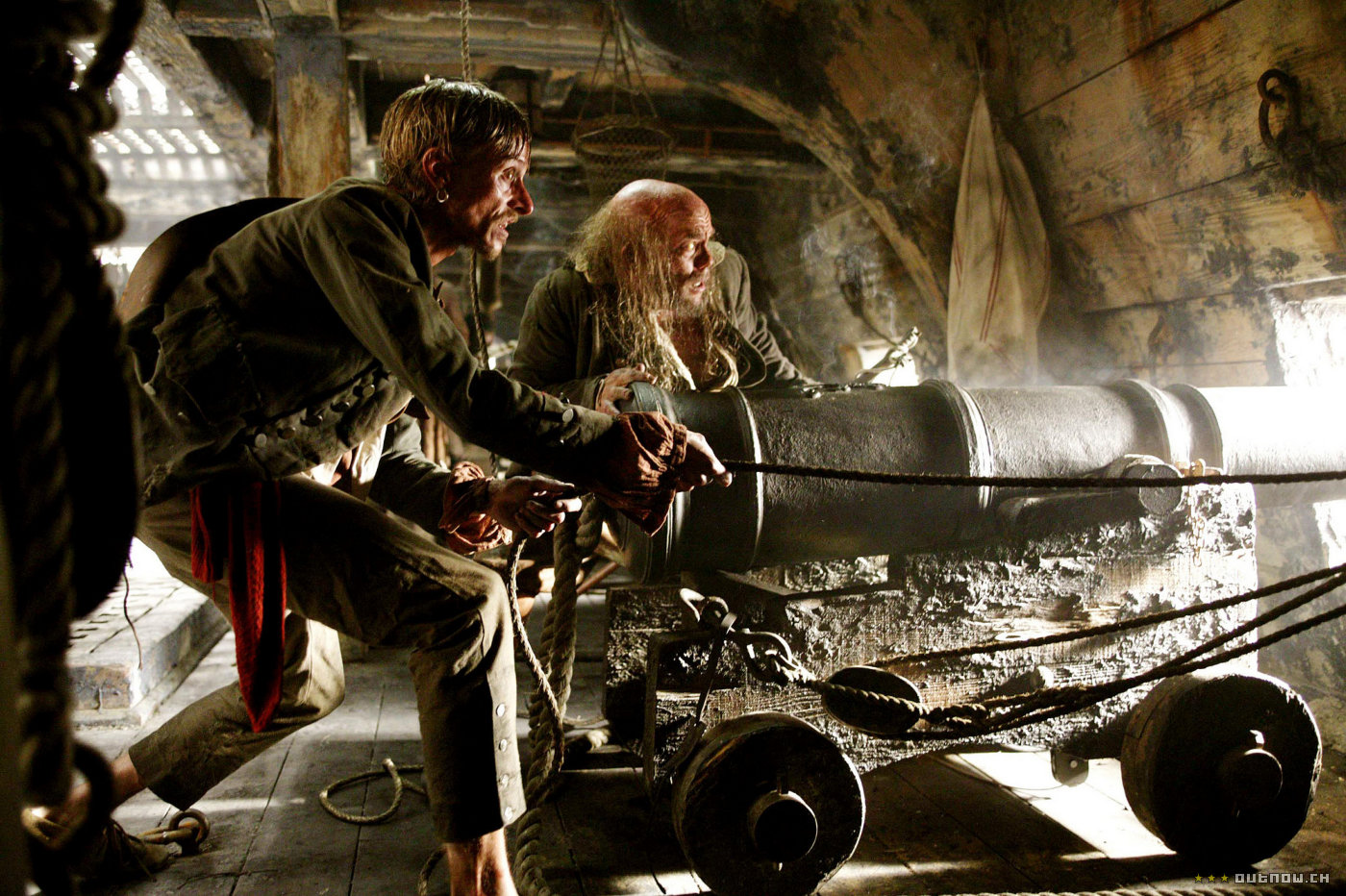 кадры из фильма Пираты Карибского моря: Сундук мертвеца Маккензи Крук, Ли Арэнберг,