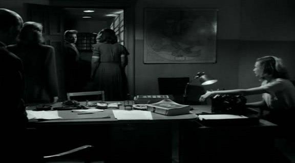 кадры из фильма Портовый город